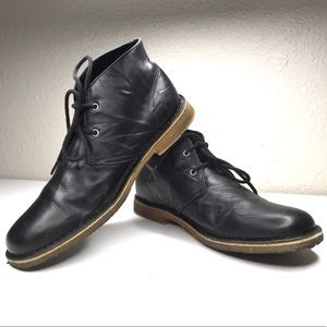 Ugg | Leighton black leather chukka tie boot 3275